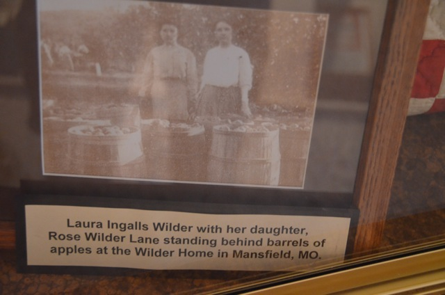Photo of Laura Ingalls Wilder and her daughter Rose